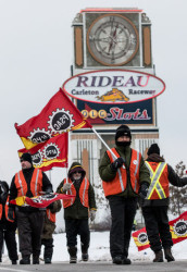 Solidarity with locked out workers at Rideau-Carleton Raceway Slots